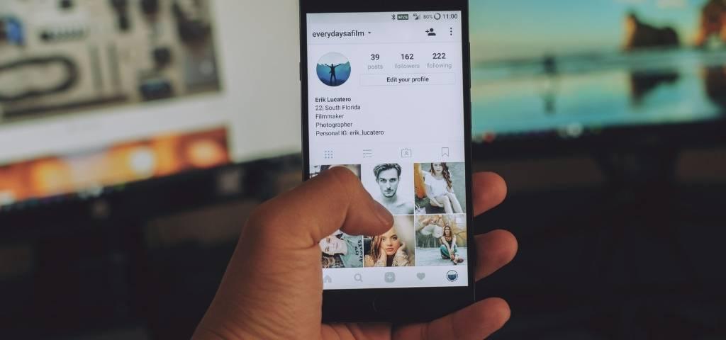 un écran smartphone sur Instagram