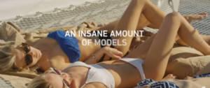 Des femmes sur la plage en maillot de bain