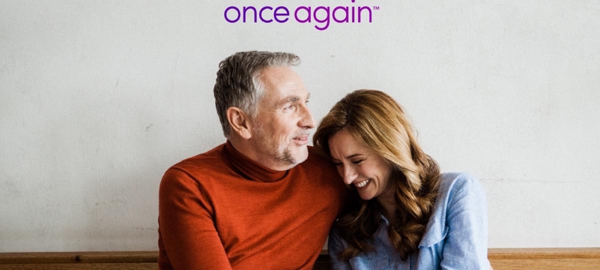 Un couple de personnes de plus de 50 ans