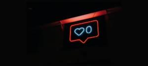 Néon d'un like Instagram