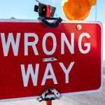 "Panneau routier ""wrong way"""