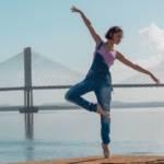 Une femme qui danse