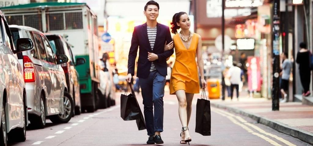 Des Chinois qui font du shopping