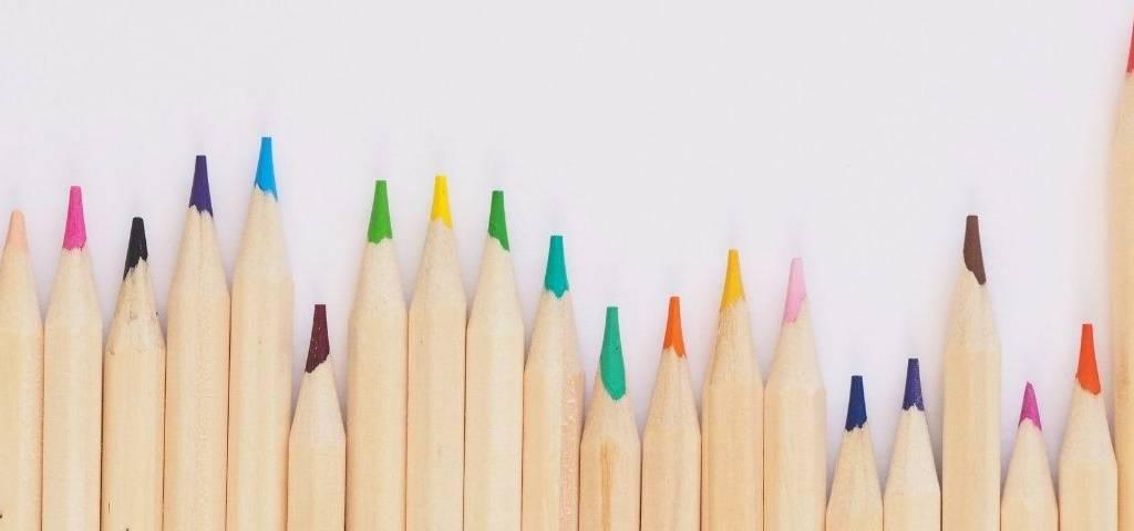 Des crayons de couleurs