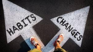 2 flèches au sol : habits / changess