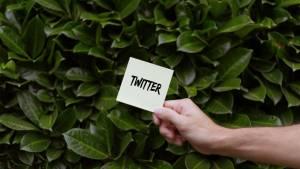 Post-it avec le mot Twitter