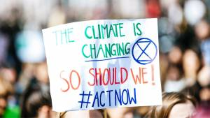 Pancarte : The climate is changing. So should we #ActNow